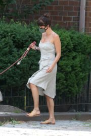 Helena Christensen Out with Her Dog in New York 2020/06/14 8