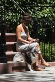 Helena Christensen Out with Her Dog in New York 2020/06/14 9