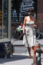 Helena Christensen Out with Her Dog in New York 2020/06/14 10