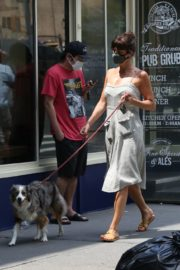 Helena Christensen Out with Her Dog in New York 2020/06/14 12