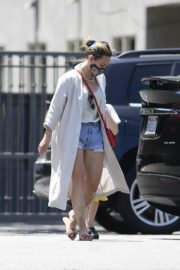 Hilary Duff Out and About in Los Angeles 2020/06/03 2