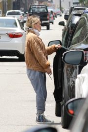 Hilary Duff Out in Los Angeles 2020/06/18 1
