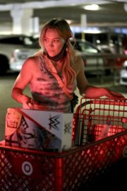 Hilary Duff Shopping at Target in Los Angeles 2020/06/21 3