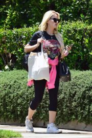 Holly Madison Out in West Hollywood 2020/06/15 9