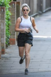 India Mullen Out Jogging in London 2020/06/03 5