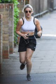 India Mullen Out Jogging in London 2020/06/03 9