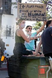 Ireland Baldwin at Black Lives Matter Protest in Los Angeles 2020/06/07 1