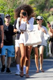 Izabel Goulart Out with Friends in Saint-Tropez 2020/06/08 4