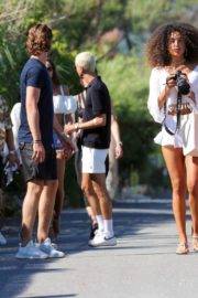 Izabel Goulart Out with Friends in Saint-Tropez 2020/06/08 6