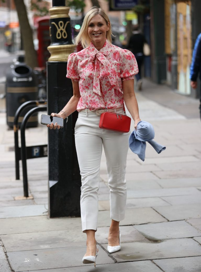 Jenni Falconer Leaves Global Radio in London 2020/06/19 4