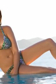 Jessica Gomes in Sports Illustrated Swimsuit 2011 6