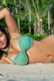 Jessica Gomes in Sports Illustrated Swimsuit 2011 7