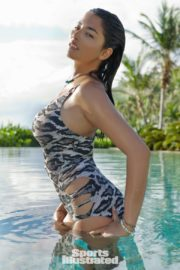 Jessica Gomes in Sports Illustrated Swimsuit 2011 32