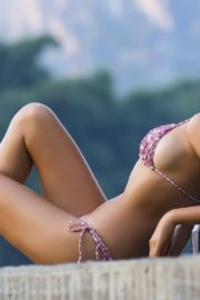 Jessica Gomes in Sports Illustrated Swimsuit 2013 7