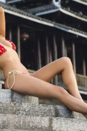 Jessica Gomes in Sports Illustrated Swimsuit 2013 9