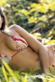 Jessica Gomes in Sports Illustrated Swimsuit 2013 10