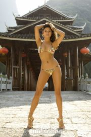 Jessica Gomes in Sports Illustrated Swimsuit 2013 29