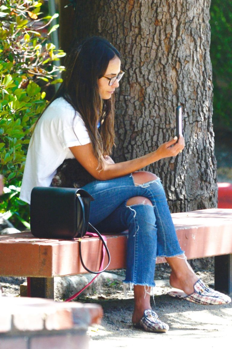 Jordana Brewster at a Park in Los Angeles 2020/06/09 10