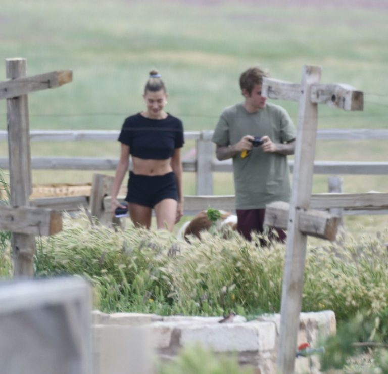 Justin Bieber and Hailey Bieber Out at National Park in Utah 2020/06/06 10