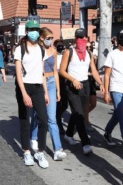 Kaia Gerber, Margaret Qualley, Eiza Gonzalez and Madelaine Petsch at Black Lives Matter Protest in Los Angeles 2020/06/07 3