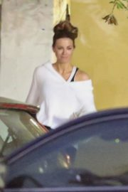 Kate Beckinsale and Goody Grace at In-N-Out Burger in Los Angeles 2020/06/06 8