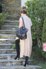 Kate Beckinsale Out and About in Pacific Palisades 2020/06/10 2
