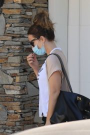 Kate Beckinsale Out and About in Pacific Palisades 2020/06/10 7