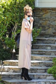Kate Beckinsale Out and About in Pacific Palisades 2020/06/10 8