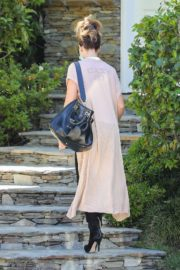 Kate Beckinsale Out and About in Pacific Palisades 2020/06/10 9