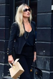 Kate Moss Out and About in London 2020/06/19 1