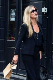 Kate Moss Out and About in London 2020/06/19 4