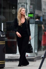 Kate Moss Out and About in London 2020/06/19 5