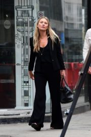Kate Moss Out and About in London 2020/06/19 7