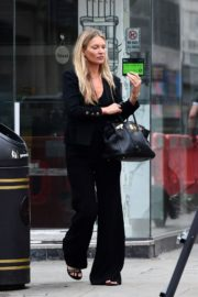 Kate Moss Out and About in London 2020/06/19 8