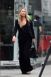 Kate Moss Out and About in London 2020/06/19 15