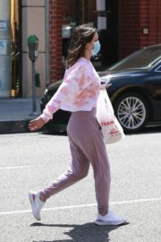 Katharine McPhee Picking Up Takeout in Beverly Hills 2020/06/21 2