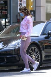 Katharine McPhee Picking Up Takeout in Beverly Hills 2020/06/21 3