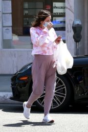 Katharine McPhee Picking Up Takeout in Beverly Hills 2020/06/21 7