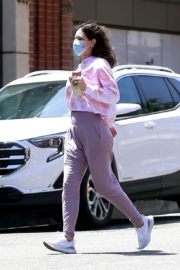 Katharine McPhee Picking Up Takeout in Beverly Hills 2020/06/21 8