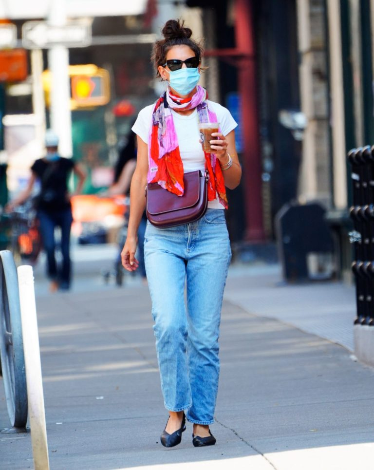 Katie Holmes in Denim Out in New York 2020/06/10 11