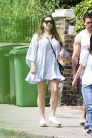 Kelly Brook flashes her Toned Legs Out in Belsize Park in London 2020/06/02 1