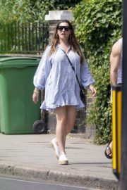 Kelly Brook flashes her Toned Legs Out in Belsize Park in London 2020/06/02 2