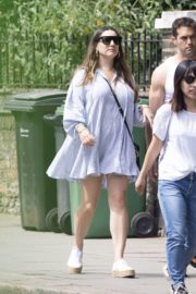 Kelly Brook flashes her Toned Legs Out in Belsize Park in London 2020/06/02 3