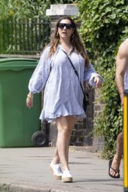 Kelly Brook flashes her Toned Legs Out in Belsize Park in London 2020/06/02 4