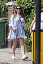 Kelly Brook flashes her Toned Legs Out in Belsize Park in London 2020/06/02 6