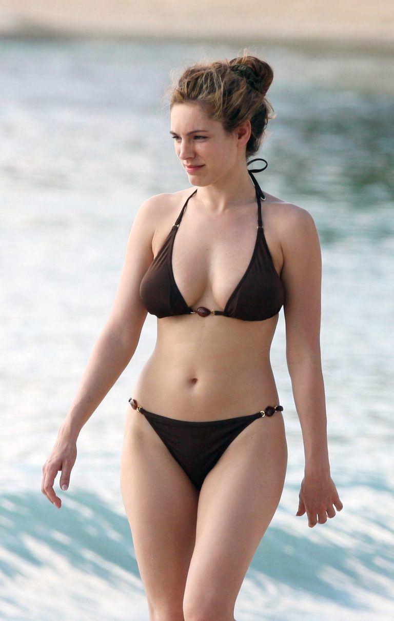 Kelly Brook in Bikini at a Beach in Caribbean 2009/05/09 4