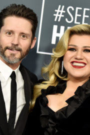 Kelly Clarkson Divorces Hubby, Becomes Overlook Independent Yet Again 1