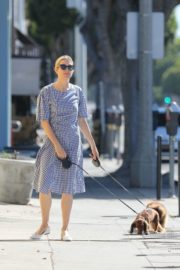Kelly Rutherford Out with Her Dogs in Santa Monica 2020/06/10 8