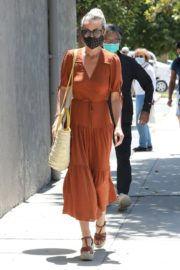 Laeticia Hallyday Out Shopping in Santa Monica 2020/06/06 4