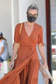 Laeticia Hallyday Out Shopping in Santa Monica 2020/06/06 5
